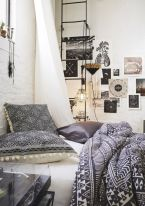 Inspired boho bedroom decorating ideas on a budget 02