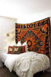 Inspired boho bedroom decorating ideas on a budget 35