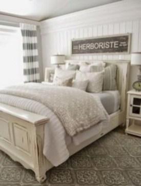Rustic farmhouse bedroom decorating ideas (39)