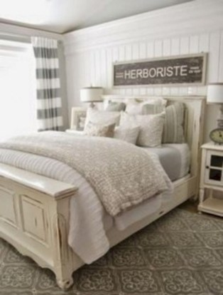 Rustic farmhouse bedroom decorating ideas (39)