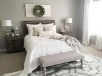 Rustic farmhouse bedroom decorating ideas (42)