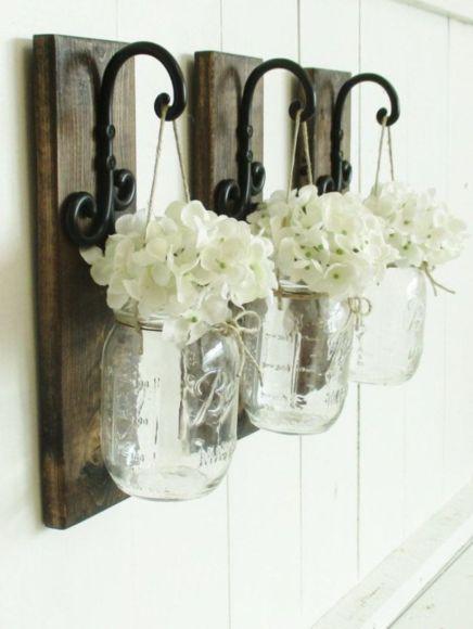 Simply and cozy farmhouse wall decor ideas (38)