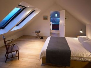 Astounding bedrooms with skylights that everyone will adore 34