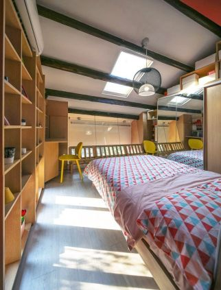 Astounding bedrooms with skylights that everyone will adore 35