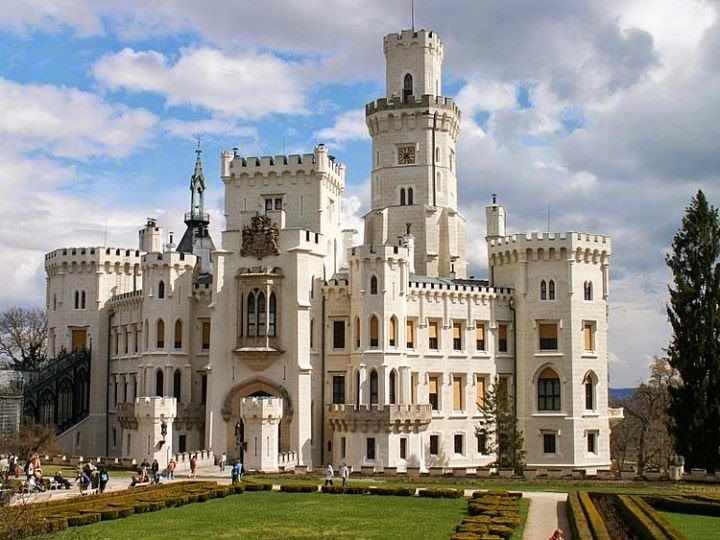 Fascinating castles to include on your bucket list 21