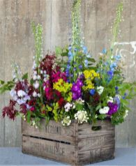 Amazing rustic garden decor ideas 41