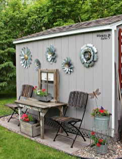 Brilliant garden junk repurposed ideas to create artistic landscaping 01