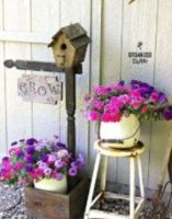 Brilliant garden junk repurposed ideas to create artistic landscaping 18