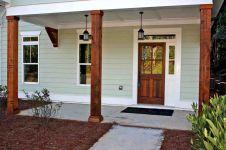 Most stylish farmhouse front door design ideas 08