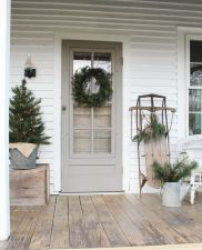 Most stylish farmhouse front door design ideas 14