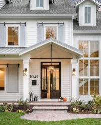Most stylish farmhouse front door design ideas 26