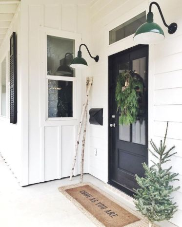 Most stylish farmhouse front door design ideas 27