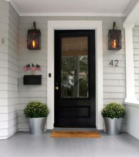 Most stylish farmhouse front door design ideas 42