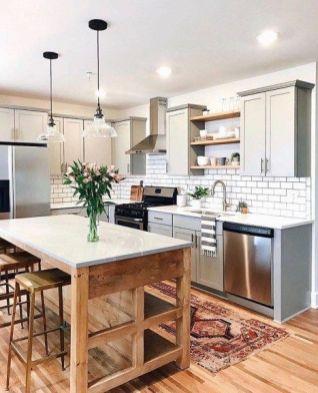 Amazing farmhouse kitchen decor ideas for inspiration 09