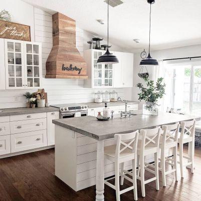 Amazing farmhouse kitchen decor ideas for inspiration 23