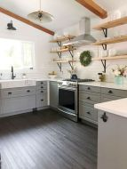 Amazing farmhouse kitchen decor ideas for inspiration 24