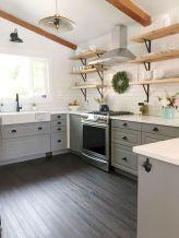 Amazing farmhouse kitchen decor ideas for inspiration 24