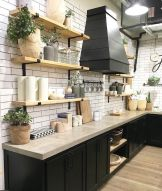 Amazing farmhouse kitchen decor ideas for inspiration 31