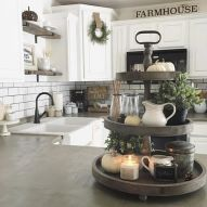 Amazing farmhouse kitchen decor ideas for inspiration 32