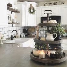Amazing farmhouse kitchen decor ideas for inspiration 32