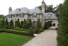 Amazing french country exterior for your home inspiration 31