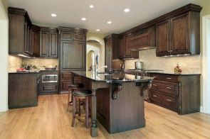 Amazing oak cabinet kitchen makeover ideas 12