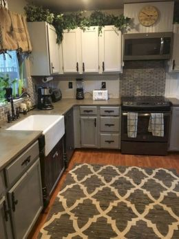 Awesome kitchen makeovers for small kitchens 19