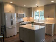 Awesome kitchen makeovers for small kitchens 31