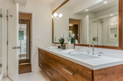 Beautiful mid century modern bathroom ideas 38