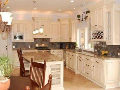 Comfy antique white kitchen cabinets ideas 13