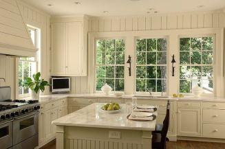 Comfy antique white kitchen cabinets ideas 37