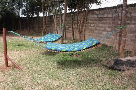 Comfy backyard hammock decor ideas 20