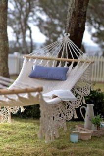 Comfy backyard hammock decor ideas 27