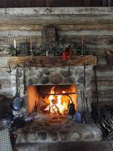 Cute rustic fireplace design ideas 28