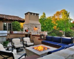 Fancy fire pit design ideas for your backyard home 27