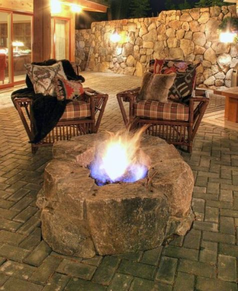 Fancy fire pit design ideas for your backyard home 40