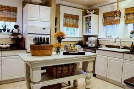 Gorgeous small kitchen makeovers on a budget 14