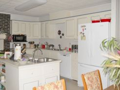 Gorgeous small kitchen makeovers on a budget 29