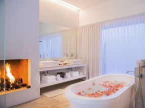 Lovely hotel bathroom design ideas that can be applied to your home 18