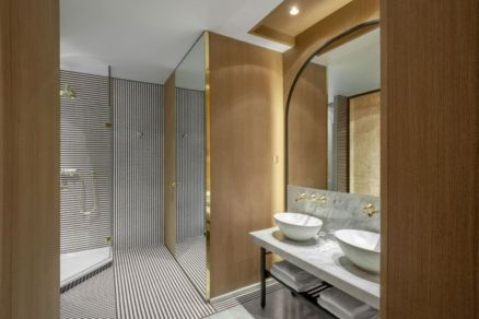 Lovely hotel bathroom design ideas that can be applied to your home 28