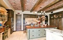 Unordinary italian rustic kitchen decorating ideas to inspire your home 12