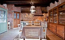 Unordinary italian rustic kitchen decorating ideas to inspire your home 28