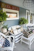 Amazing farmhouse porch decorating ideas 20