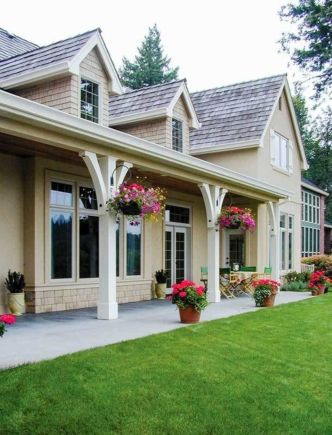 Amazing farmhouse porch decorating ideas 24