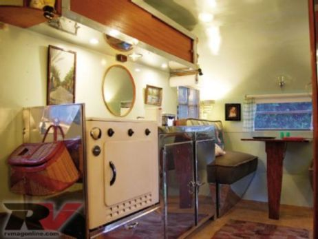 Antique diy camper interior remodel ideas you can try right now 35