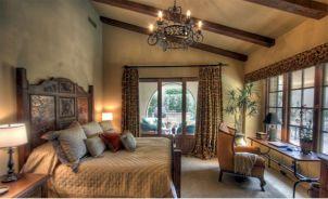 Attractive rustic italian decor for amazing bedroom ideas 04
