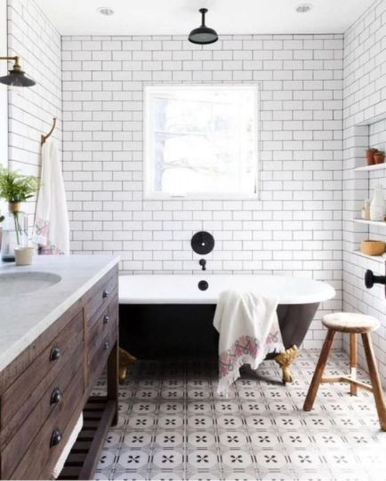 Awesome farmhouse shower tiles ideas 14