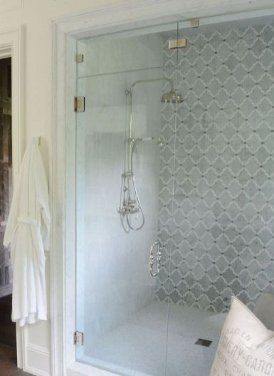 Awesome farmhouse shower tiles ideas 30