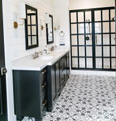 Awesome farmhouse shower tiles ideas 31