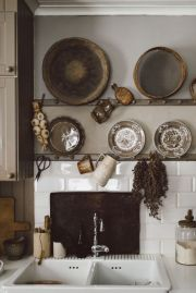 Cool farmhouse kitchen sink remodel ideas 31